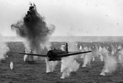 Kamikaze attack on USS Yorktown