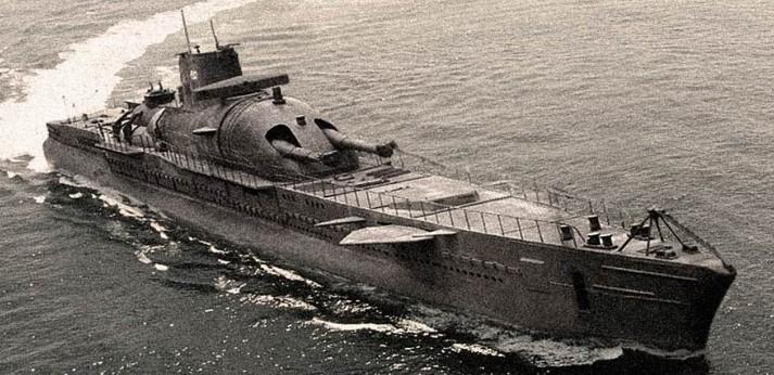 [Image: submarino-surcouf.jpg]