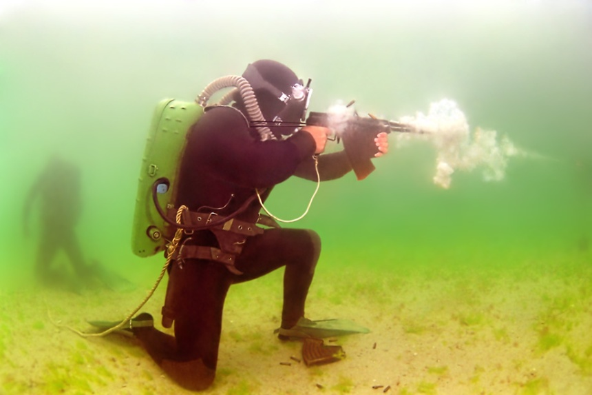APS being fired underwater note the shell casing