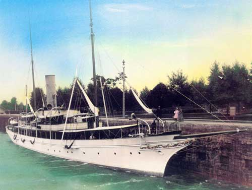 yacht Gunilda, now almost perfectly preserved in the freshwater of the Great Lakes. She was Harknesses first yacht and the Agawa favored her, even being build in the same yard