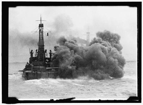 us battleships firing 1913 wyoming