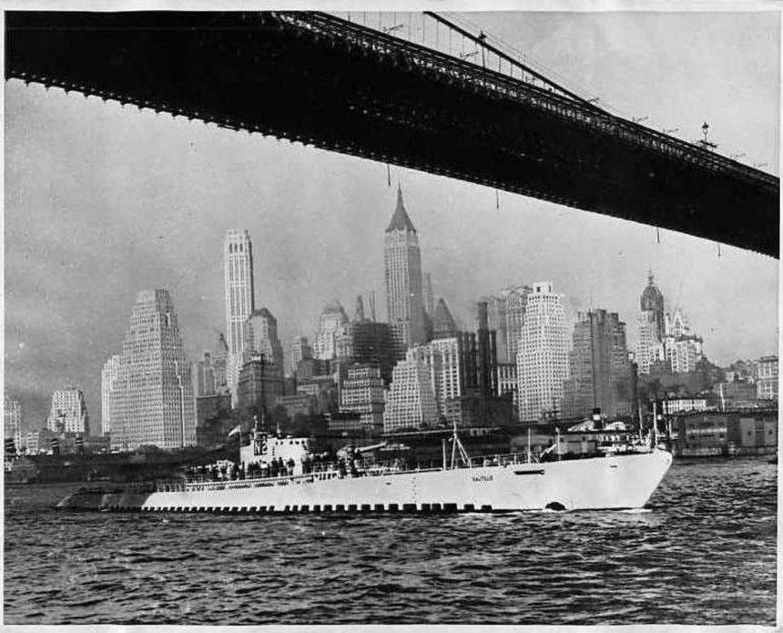Steaming into New York City, 1931. Photo credit: Navsource
