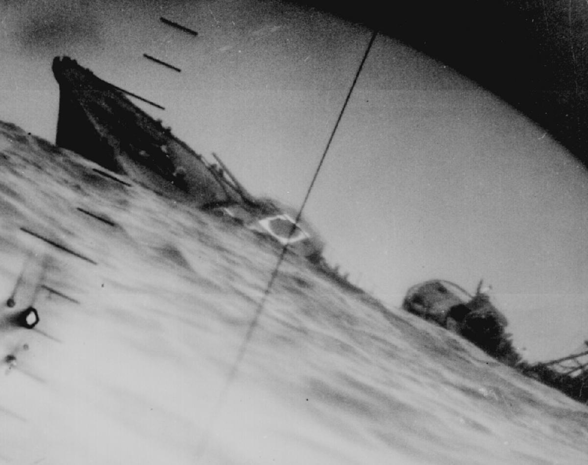Yamakaze sinking by Nautilus