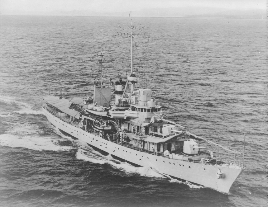 Aerial starboard bow view of Erie underway in May 1940. Click to bigup