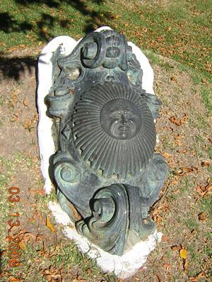 The Argentine Sun of May (Spanish: Sol de Mayo) national emblem on the bowcrest of ARA Pueyrredon