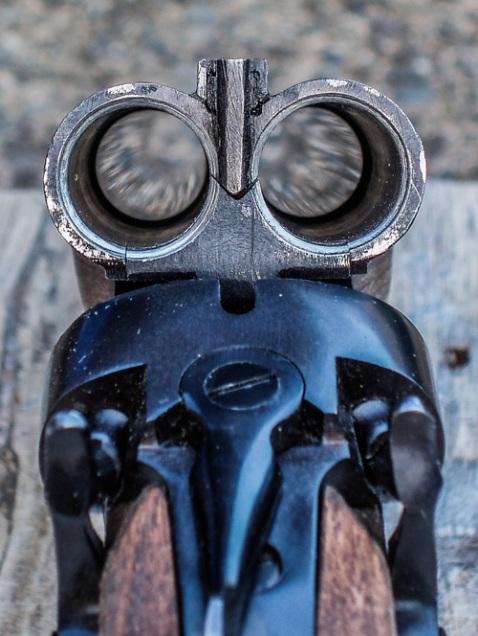 inside sxs double barrel shotgun