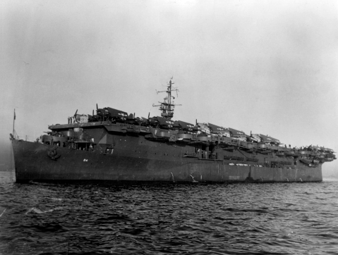 USS_Belleau_Wood_(CVL-24)_at_Hunters_Point_1945