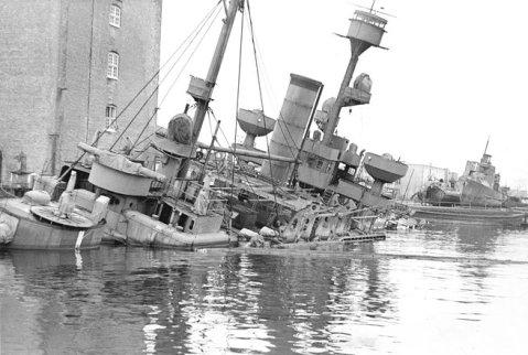 Danish-ship-Peder-Skram