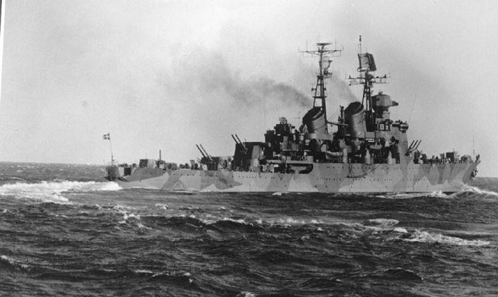 Kryssaren HMS Göta Lejon without her camouflage netting.