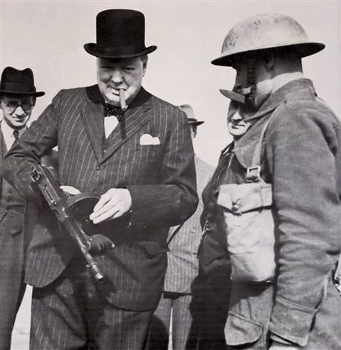 Winston Churchill with a Tommy Gun during an inspection near Harlepool, 1940 1