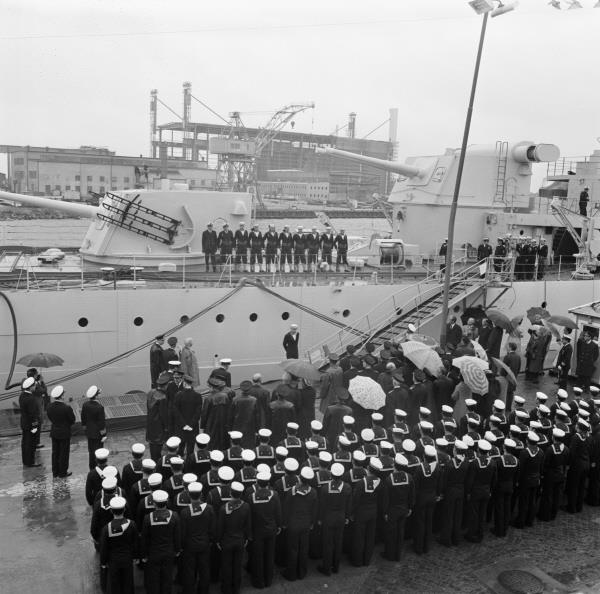 HMS KkrV Göta Lejon handed over to her new owners