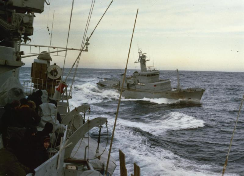 Icelandic patrol boat Tyr circles round for a run at HMS Scylla