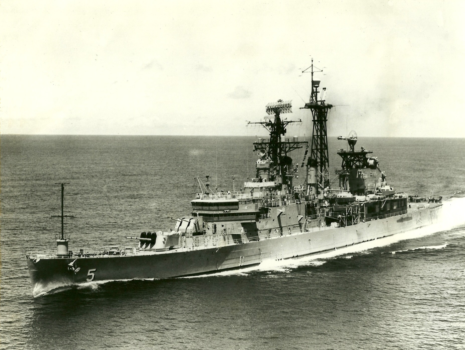Port bow view while underway, date and location unknown photo by Charles Lamm via navsource