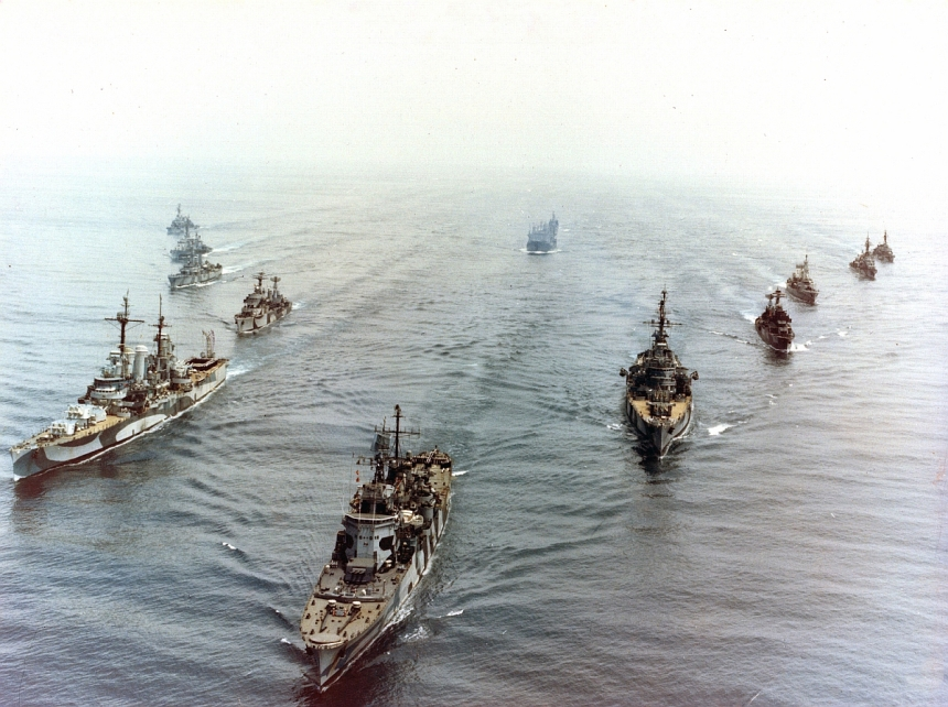 1970s Chilean battle fleet at play. Possibly the best collection of WWII ships then afloat. Prat/Nashville is to the left. The cruisers Almirante Latorre https://laststandonzombieisland.com/2014/12/03/warship-wednesday-december-3-2014-the-scandinavian-leviathan/   (ex-Swedish Gota Lejon),  is center with her distinctive superstructure, and  and O'Higgins (formerly USS Brooklyn) to the image's right. Click to big up