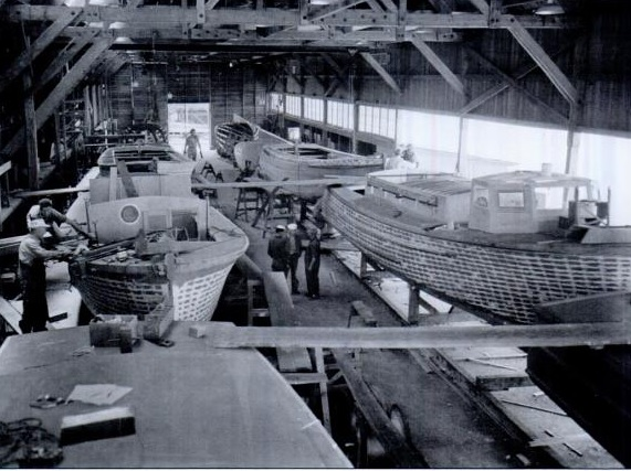1943 photo from the archives of the Kirkland Heritage Society showing 38 sunder construction near Seattle in 1942