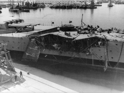bomba de 454Kg en el Jean Bart, en Casablanca