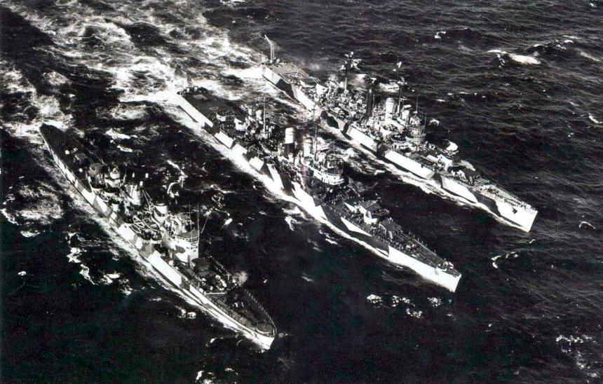The cruisers Almirante Latorre https://laststandonzombieisland.com/2014/12/03/warship-wednesday-december-3-2014-the-scandinavian-leviathan/   (ex-Swedish Gota Lejon), Prat (formerly USS Nashville), and O'Higgins (formerly USS Brooklyn) underway
