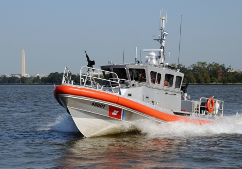 A new 45-foot response boat medium (RB-M) passes by the Washington Monument on the Potomac River during a capabilities demonstration. This boat was the first model put into testing and is currently assigned to Station Little Creek, Va. The RB-M will re-capitalize capabilities of the existing multi-mission 41-foot utility boats (UTB) and multiple nonstandard boats to meet the needs of the Coast Guard. U.S. Coast Guard photo by PA1 Adam Eggers - (Click to big up)