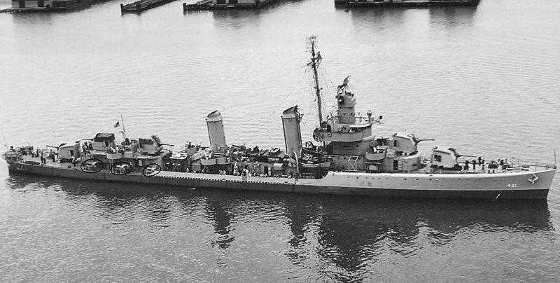 Class leader USS Benson DD-421. Note the five 5-innch mounts