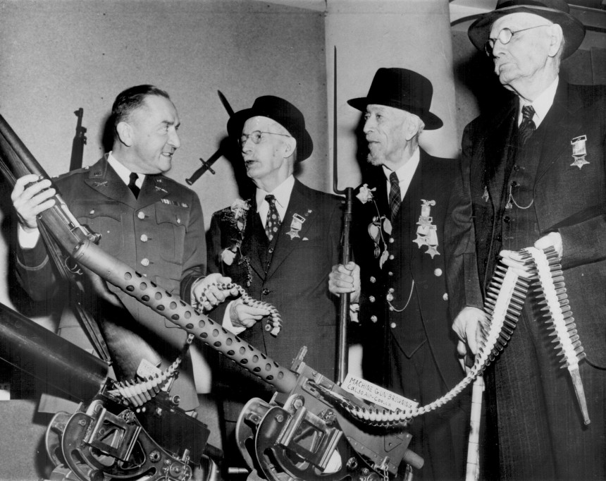 American Civil War veterans being shown modern rifles and machine guns on Veteran's Day at the Minnesota State Fair circa, 1940's. The veteran holding the rifle with the bayonet affixed was Henry Mack, an African American Civil War veteran who lived to be 108 years old before passing away in 1945 Hattip http://www.freedomhistory.com/henrymack.php