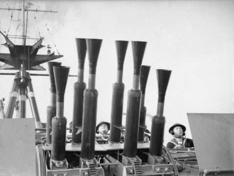 QF 2-pdr Mk VIII anti-aircraft gun mount and crew aboard HMS Rodney, Sep 1940