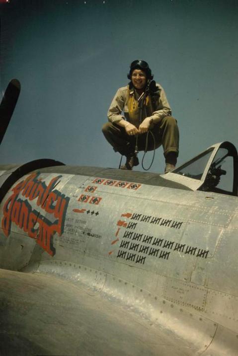 P-47D-27-RE Thunderbolt #42-26919 362nd fighter group 377 fighter squadron FTR October 26 1944 2