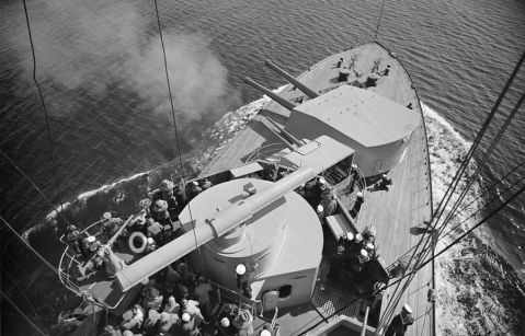 A great view over the front of the bow from above the rangefinder