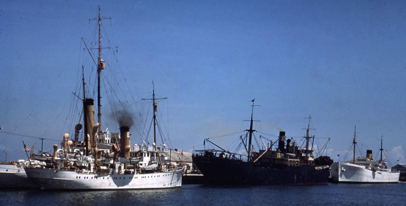 Image via ShipSpotting http://www.shipspotting.com/gallery/photo.php?lid=1513641