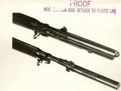 The Moore (top) compared to the Maxim on a U.S. M1903
