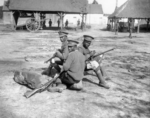 West Indian soldiers cleaning their rifles enfields smle wwi