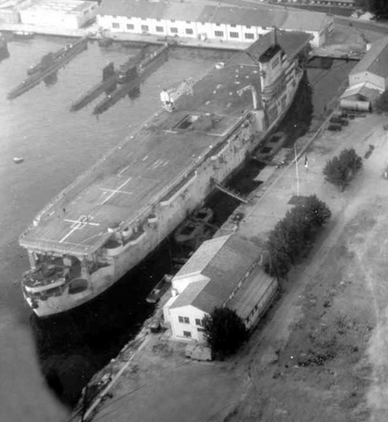 french carrier Bearn in port at Toulon, France, 1964