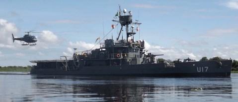 monitor-Parnaíba-operando-com-helicóptero-do-HU-4-ampliação-foto-MB-sexto-Distrito-Naval