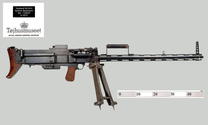 The MG 15nA as used by the Danish military in the 1920s. Note the design of the barrel cooling fins as the follow-on M32/34/35 would mimic it.