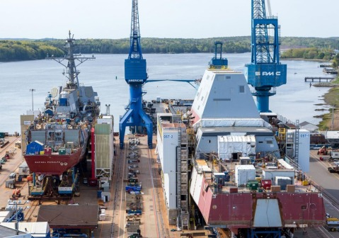 Arleigh Burke-class destroyer DDG-115 USS Rafael Peralta under construction alongside Zumwalt-class destroyer DDG-1001 USS Michael Monsoor, at the Bath Iron Works shipyard. Again, note the size difference and keep in mind that Peralta is 512-feet long