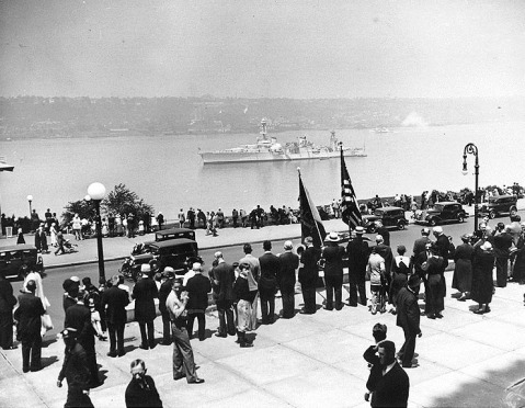 USS Louisville saluting during Memorial Day ceremonies at New York City, May 1934