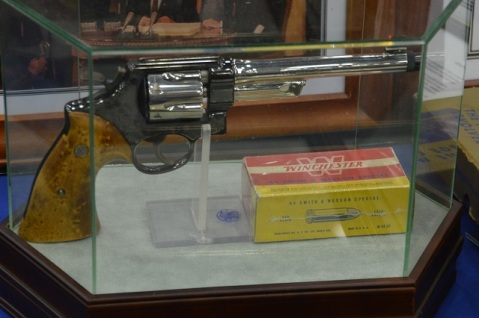 The Smith and Wesson Collectors Association came correct with a table of rare guns owned by former NRA directors and well-known shootists Col. Rex Applegate, Bill Jordan, and Cecil King. King's .44 Military smoothbore, the only gun known to have been made by S&W in this configuration, has a 6.5-inch barrel with a BATFE C&R approved smoothbore barrel– the attachment on the muzzle is the choke!