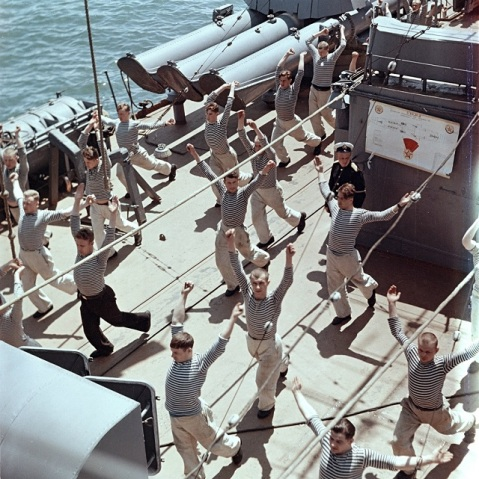 Note the triple torpedo tubes as the glorious People's mariners get their flex on