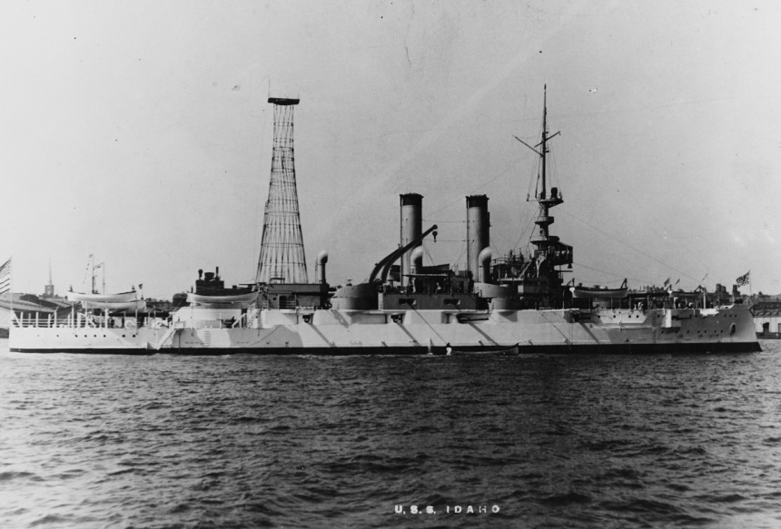 NH 60214 Naval History and Heritage Command. Both ships of this class initially carried a pole mast above the conning tower, though shortly after commissioning, both ships had lattice masts added aft, and in 1910, the forward masts were replaced with lattice masts. Also note the elegant white and buff scheme, similar to that of the Great White Fleet that she was built too late for, that she carried for just a few months.