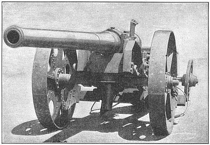 4.7 Naval Gun on Carriage Improvised by Capt. Percy Scott of H.M.S. Terrible. Photo by E. Kennard