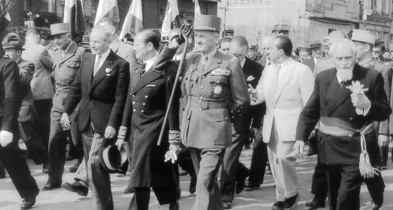Général Leclerc de Hauteclocque was often seen with a cane though