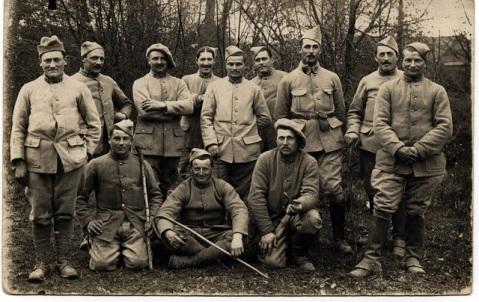 groupe de poilus le 24 eme en 1916
