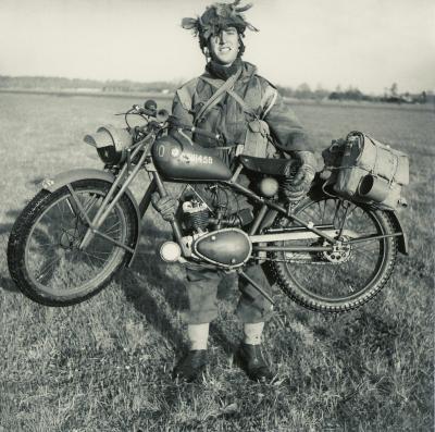 royal Enfield WD RE motorbike flying flea parachute bike