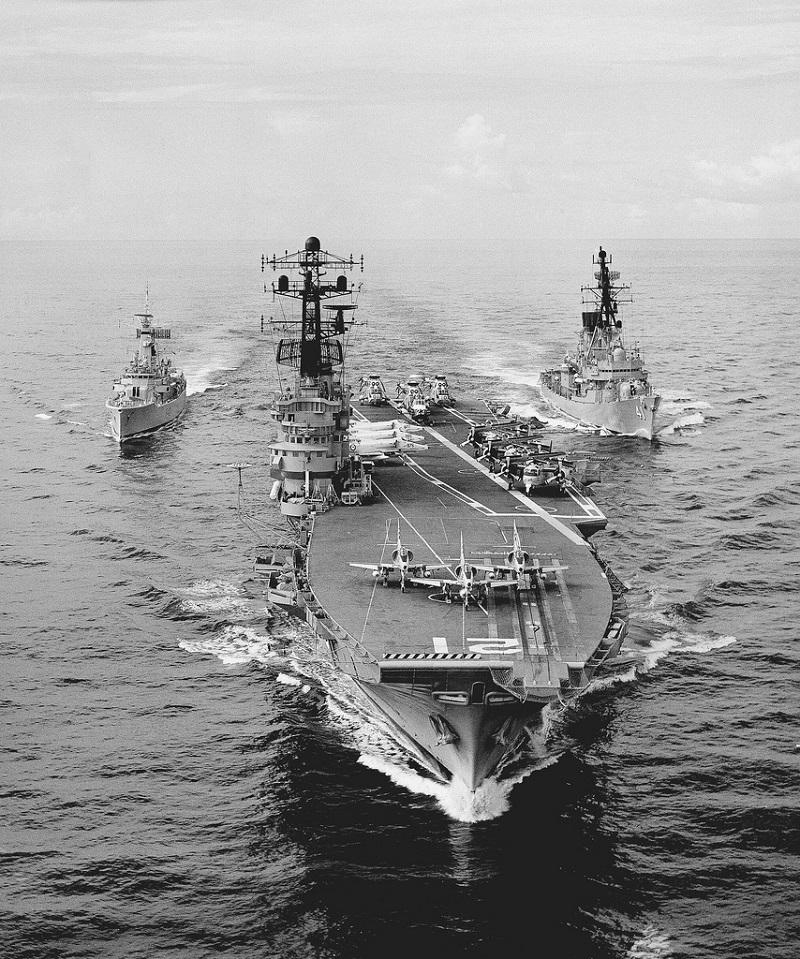 Sept.1977 HMAS MELBOURNE [II] and escorts HMNZS CANTERBURY and HMAS BRISBANE