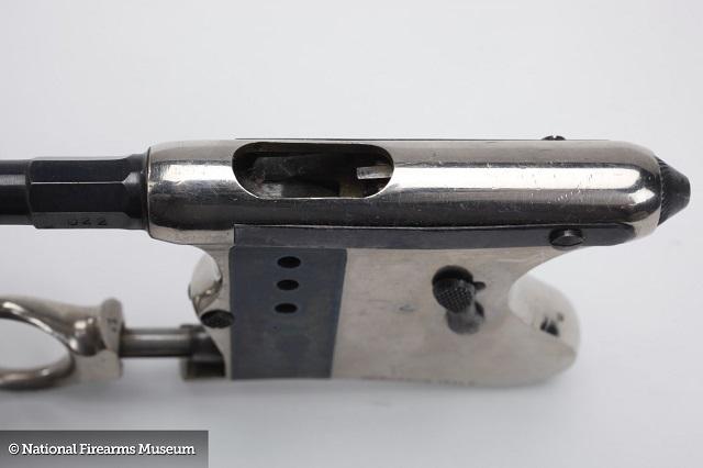 Italian made Trabuzio Palm Pistol note witness holes
