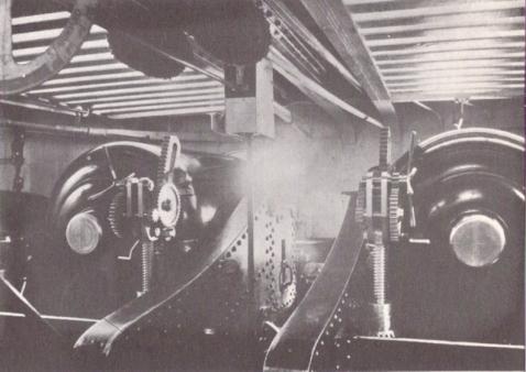 hms_devastation_1871_12-inch_gun_turret_interior
