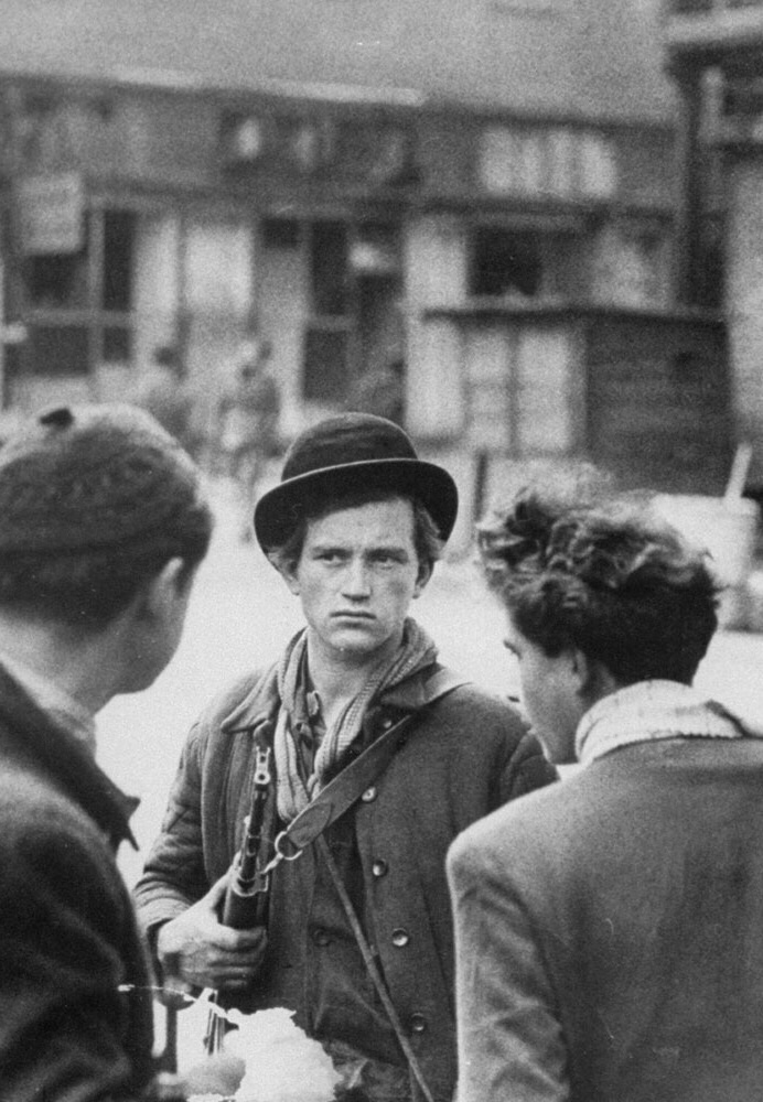 jozsef-tibor-fejes-the-bowler-hatted-hungarian-revolutionary-who-in-1956-is-considered-to-be-the-first-person-ever-to-have-wielded-a-captured-ak-47-in-battle