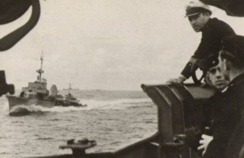 KMS Z-39 as seen from another German destroyer underway probably in the eastern Baltic Sea area circa 1944-45. Photo courtesy David Walker via Robert Hurst via Navsource.