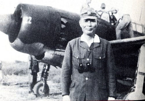 admiral-ugaki-posing-before-his-final-kamikaze-mission-wwii-15-august-1945
