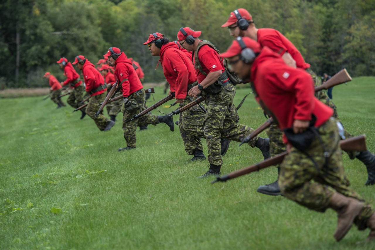 (Photos: Corporal Doug Burke/Canadian Forces Joint Imagery Center)