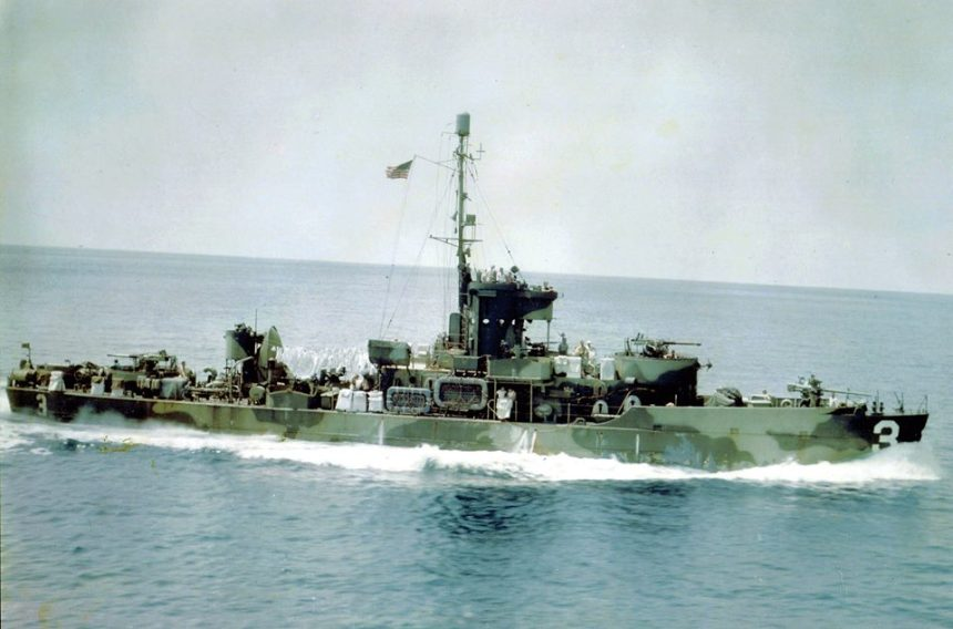 Most were given a very effective Camouflage Measure 33 scheme in the Pacific